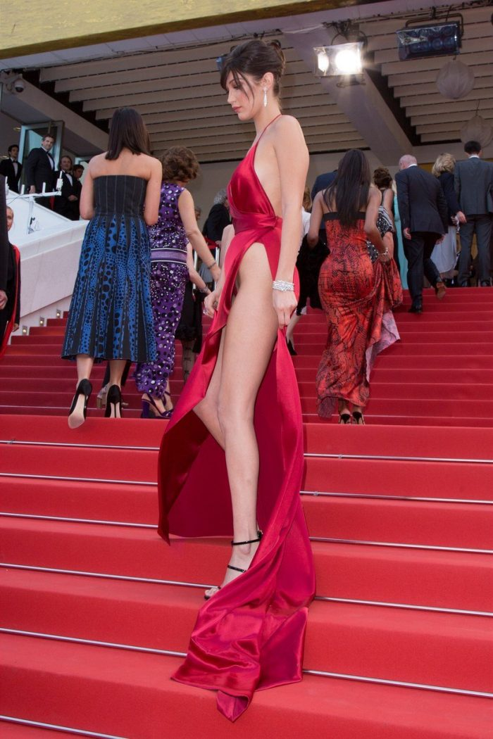 Bella hadid presque nue à Cannes (Les photos)
